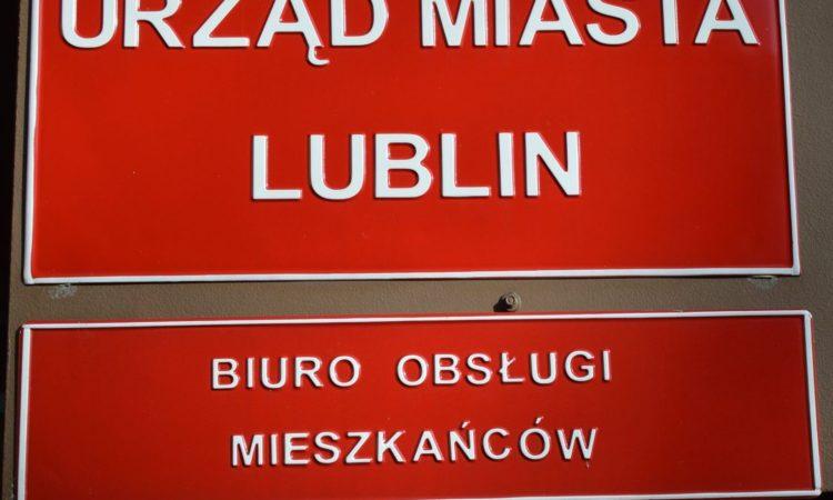 Tabliczka: urząd miasta lublin, biuro obsługi mieszkańców