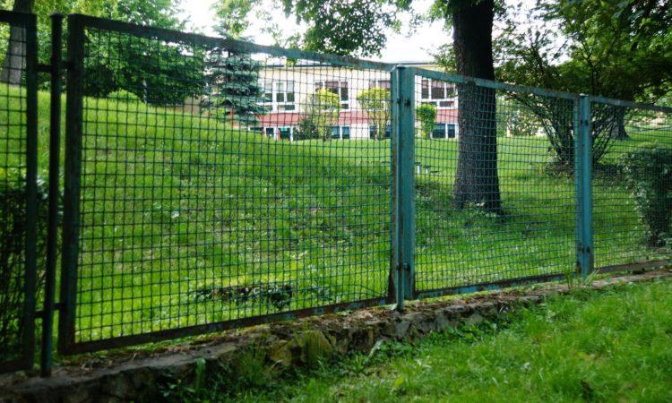 Ogrodzenie przedszkola na 13