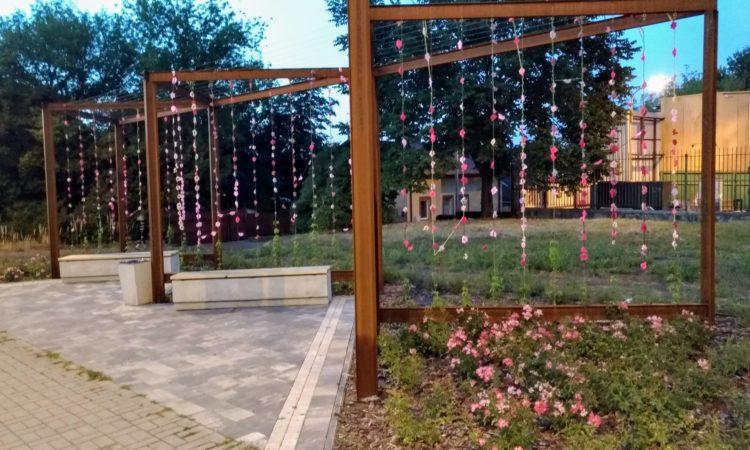 Park kieszonkowy, skwer, zielona przestrzeń na ul. Kunickiego przy browarze